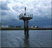 J3576 : Navigation light, Belfast by Rossographer