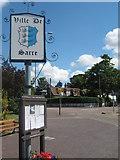 TR2565 : Ville De Sarre sign by David Anstiss