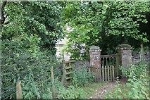 SO2160 : Church yard entrance by Bill Nicholls