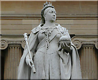 SO8455 : Statue of Queen Victoria in Worcester by Roger  Kidd
