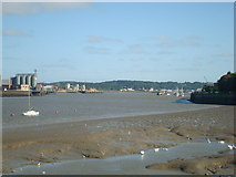 TQ7568 : River Medway, Chatham by Stacey Harris