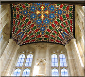 TL8564 : St Edmundsbury cathedral, Bury St Edmunds - the crossing by Evelyn Simak