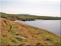 SH2035 : View southeastwards from the tip of the Penrhyn Melyn headland by Eric Jones