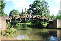 SU9948 : North Downs Way crosses the River Wey by N Chadwick