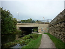 SE2833 : Walking along the Leeds to Liverpool Canal #21 by Ian S
