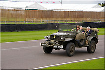 SU8707 : Jeep at Goodwood Revival 2010 by Christine Matthews