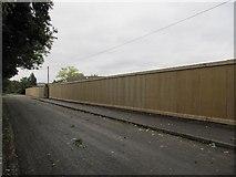 SU5985 : Fence on Ferry lane by Bill Nicholls