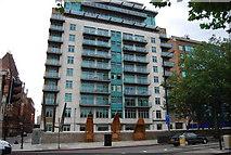 TQ3078 : Apartment block, Albert Embankment by N Chadwick