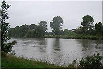 TQ1776 : River Thames (Syon Reach) by N Chadwick