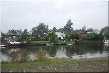 TQ1667 : Riverside houses, Thames Ditton Island by N Chadwick
