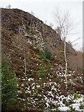 NN9147 : Crag near Loch Scoly by Rob Burke