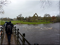 SE0754 : Footbridge over the River Wharfe by Peter Barr