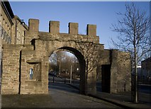 NO4030 : Wishart Arch, Dundee by Becky Williamson