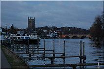 SU7682 : Henley-on-Thames by Trevor Harris