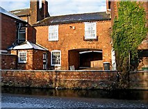 SO8171 : Rear of Union House, 12A Foundry Street, by Staffordshire & Worcestershire Canal, Stourport-on-Severn by P L Chadwick