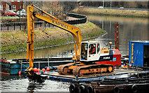 J3472 : Dredging the River Lagan, Belfast  -  2010/11 (92) by Albert Bridge