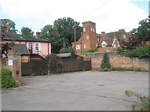 TM2850 : Empty pub car park in Station Road by Basher Eyre