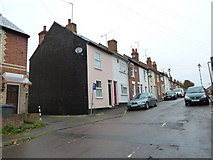 SU7172 : Terraced houses in Field Road by Basher Eyre