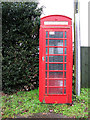 TL9994 : K6 telephone box in Roacklands Road, Mount Pleasant by Evelyn Simak