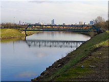 SD8100 : River Irwell; Jubilee Bridge by David Dixon