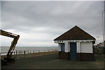 TQ7307 : Bexhill-on-Sea: West Parade, out of season by Christopher Hilton