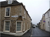 SO8700 : Minchinhampton: Well Hill by Chris Downer