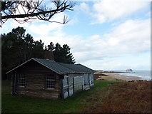 NT6281 : Coastal East Lothian : Ravensheugh Log Cabin, Tyninghame by Richard West