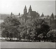 NS5666 : Kelvingrove Art Gallery and Museum by Gerald England