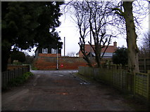 TM3863 : Fairfield Drive & North Entrance George V Postbox by Geographer