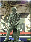 TQ3179 : Statue of Terence Cuneo, Waterloo Station by David Smith