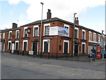 SD8912 : Rochdale:  The 'Queens', Tweedale Street by Dr Neil Clifton