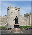 SU9676 : Statue of Queen Victoria by Paul Gillett