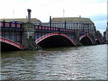 TQ3078 : Lambeth Bridge by Thomas Nugent