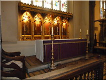 TQ2475 : All Saints, Fulham: main altar by Basher Eyre