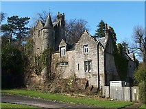 NS3975 : Former gate lodge of Levenford House by Lairich Rig