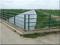 TF3516 : Coy Bridge Sluice has been removed by Richard Humphrey