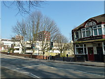 SU4212 : Approaching the junction of Palmerston Road and Craven Walk by Basher Eyre