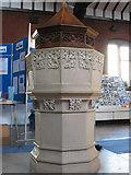 TQ2572 : St Luke's church: font by Stephen Craven
