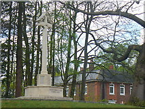 SU8651 : War Memorial on Hospital Hill by Colin Smith