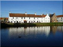 NT5173 : Waterside on the River Tyne at Haddington by kim traynor