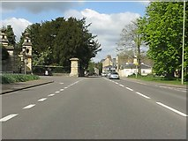 SP4416 : A44 at the entrance to Blenheim Palace by Peter Whatley