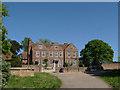 SU9552 : Littlefield Manor by Alan Hunt