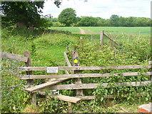 SU7953 : Please Keep to Public Footpath by Colin Smith