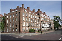TQ3279 : Pilgrim House, Tabard Street at junction with Law Street by Roger Templeman
