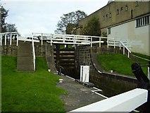 SE1039 : Bingley Three Rise Locks by Ashley Dace