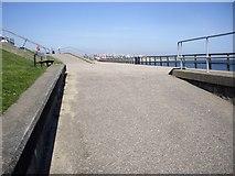 NJ9505 : Start of upper and lower Beach Esplanade from Footdee by Stanley Howe