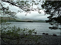 NY2621 : Derwentwater Foreshore by Graham Hogg