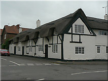 SK3825 : Thatched cottages on the corner of Potter Street and Castle Square by Alan Murray-Rust