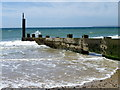 SZ1590 : Groyne near Hengistbury Head by Maigheach-gheal
