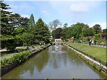 SE3238 : Ornamental pond, Canal Gardens by Oliver Dixon